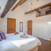 Holiday Cottage with Kingsize beds